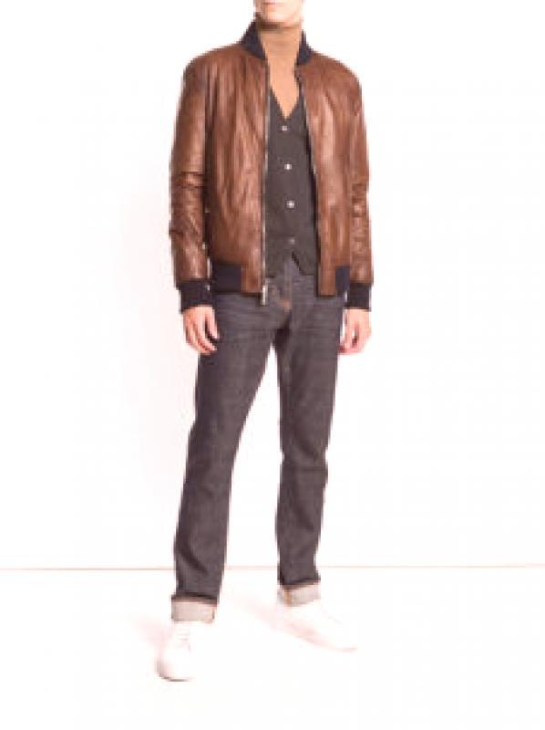 ff7838d551d Как да изберем продукт, основан на предпочитания от вас стил на обличане?  За феновете на уличното облекло се побира кожени якета и байкерски якета.