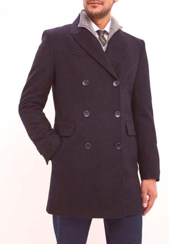 d13762fd0 Některé kabáty vypadají spíše jako tradiční bundy - vypadají tak elegantní  a elegantní. Dlouhé modely, které vypadají jako pláště, budou přínosem i v  ...