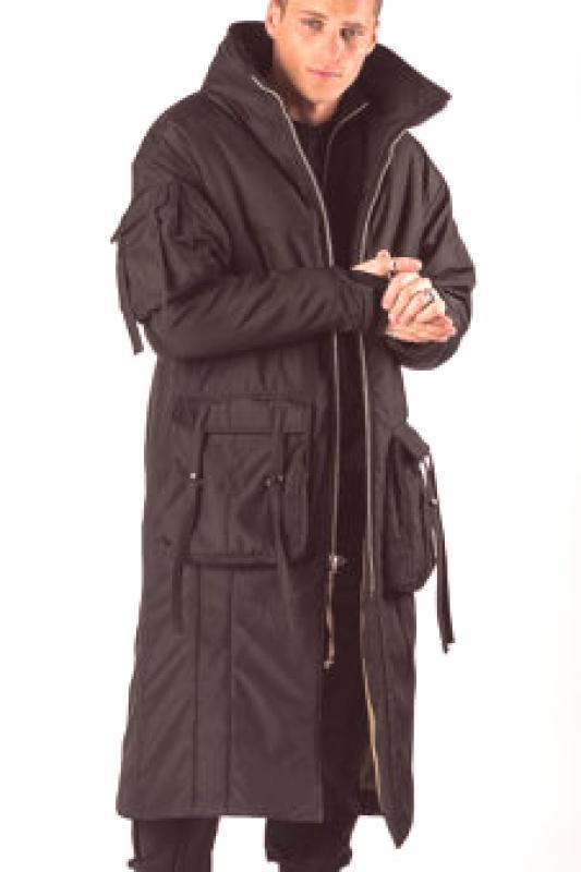 fdca48e96 Kabátové bundy sú dobré v rôznych lukoch. Sú vhodné pre zrelých mužov a  mladé módy. V prvom prípade sa nosia klasické nohavice, rovné džínsy a  izolované ...